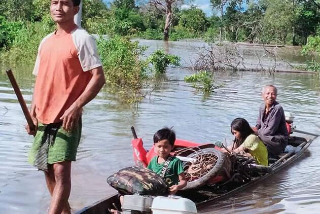 整个王国的洪水水位上下波动
