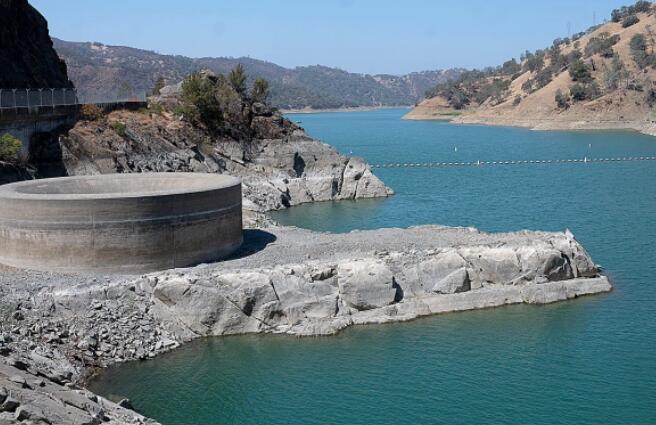 纽森宣布加州进入干旱紧急状态 保护工作仍远未达到国家目标